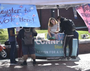 On National Voter Registration Day, UConn students take aim at 2020 election